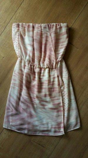 Bandeau Kleid von Bershka
