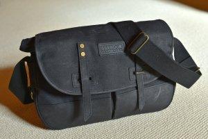 BARBOUR robuste Tasche unisex Umhängetasche Fototasche Büro Office schwarz Canvas