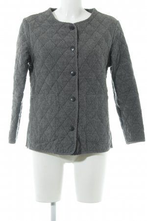 Barbour Chaqueta acolchada gris oscuro look casual