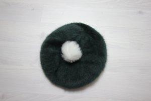 Gorra blanco-verde oscuro