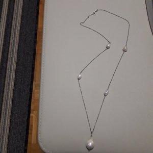 Collar de perlas blanco puro-gris claro