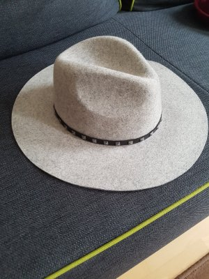 Barts Chapeau gris clair