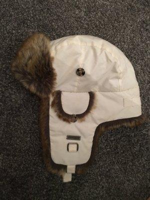 Barts weiße Wintermütze