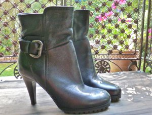 Booties black-silver-colored leather