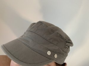 H&M Divided Baseball Cap green grey-khaki