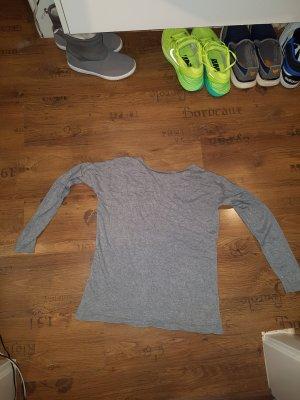 Basic Longshirt in grau