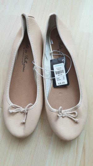 Atmosphere Slingback ballerina's room