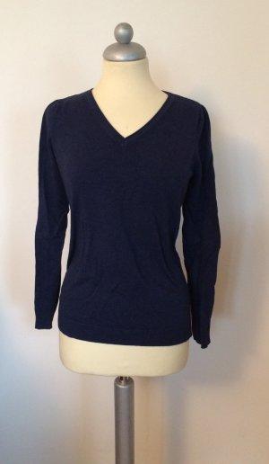 Basic Pullover mit V-Ausschnitt