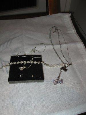 Basic Schmuck Set für jede Frau für den Alltag: Silberfarb.weiße Kristallen