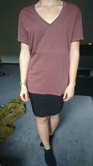 Basic Shirt mit v-Ausschnitt