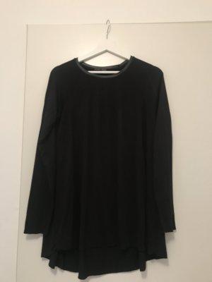 Basic Shirt Zara ausgestellt