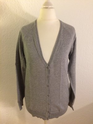Basic Strickjacke in Grau von Zara