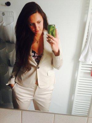 Business Suit cream
