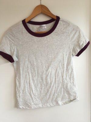 Basic T-shirt mit Lila Rändern
