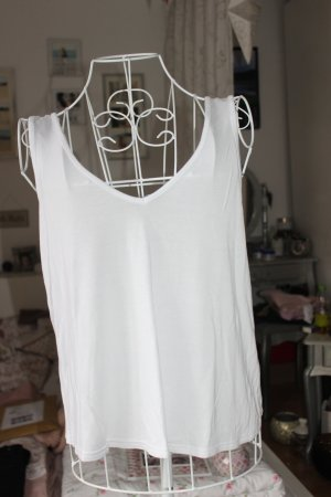 Basic Top in weiß