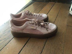 BASKET Velvet Sneaker