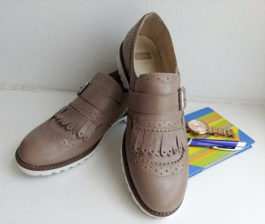 BATA beige leather loafers