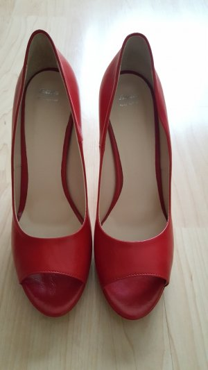 Bata Peep Toe Pumps rood