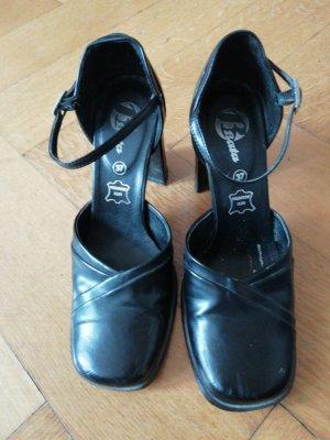 Bata Strapped pumps black leather