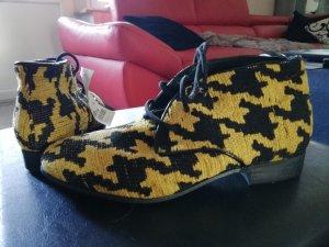 Bata Chaussures à lacets noir-jaune