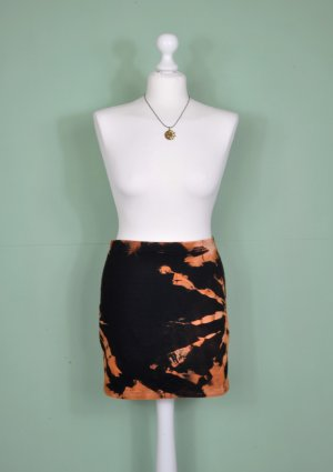 Batik Basic Rock in Schwarz und Orange
