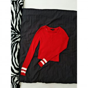 Bauchfreier Pullover in Rot