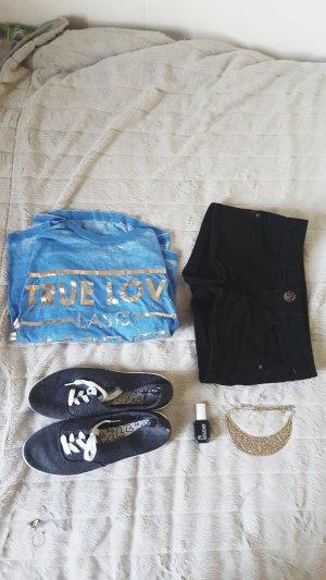 Bauchfreies Blaues T-shirt