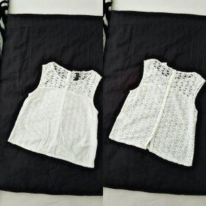 Bauchfreies Shirt Mit Blumenmuster.