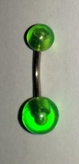 Bauchnabelpiercing grün