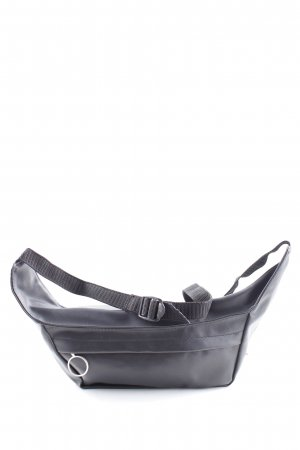 Bumbag black minimalist style