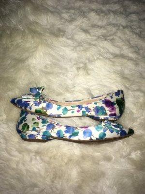 BCBG Ballerinas Schuhe Größe 7/36.5