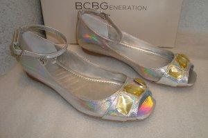 BCBG Echtleder Sandalen Silber irrisierend Knöchelriemchen 37 NEU