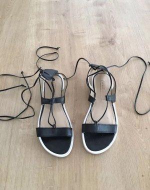 bcbg maxazria Damen Sandalen, Farbe schwarz/weiß Grösse 36, Römersandalen
