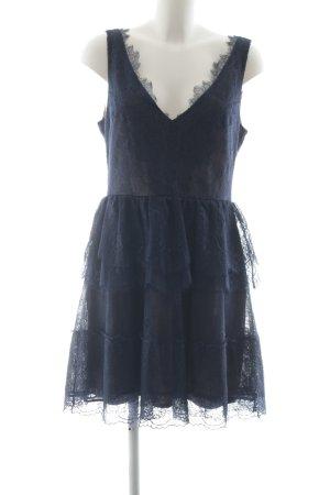 BCBG Maxazria Kanten jurk blauw bloemen patroon Geweldige look