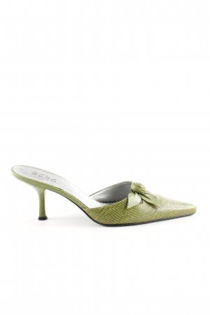 BCBG Pointed Toe Pumps green casual look