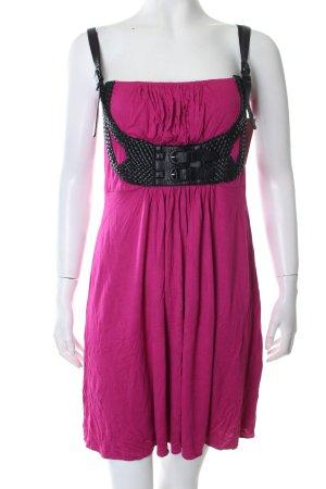 BCBGMaxazria Kleid magenta-schwarz Street-Fashion-Look