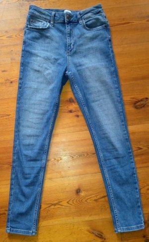BDG Jeans a sigaretta blu