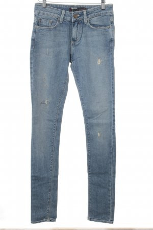 BDG Slim Jeans himmelblau-blau Street-Fashion-Look