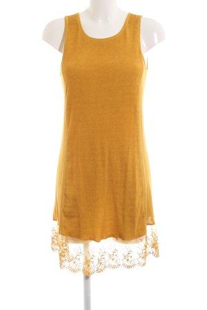 Be Inn Pinafore dress primrose casual look