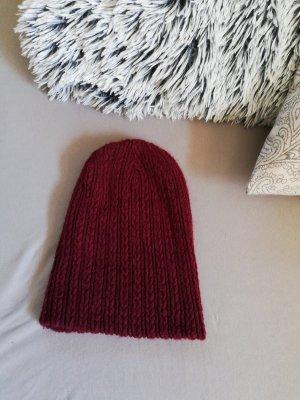 Bonnet rouge foncé-rouge carmin