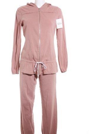 Beedees Leisure suit dusky pink casual look