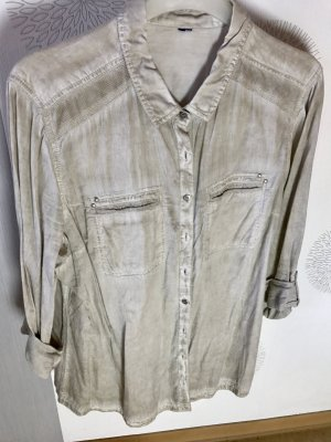Beige Bluse von Cecil mit vielen Details in Größe 46.