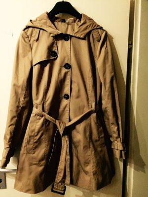 Beige farbener Mantel