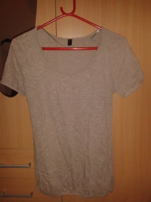 beige-graues Shirt mit Rundausschnitt