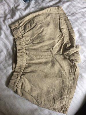 Beige Hotpants Shorts aus Leinen