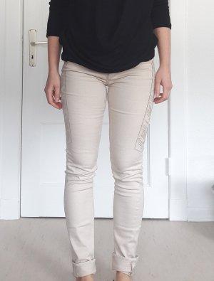 Beige Jeans mit Aztekensteppung