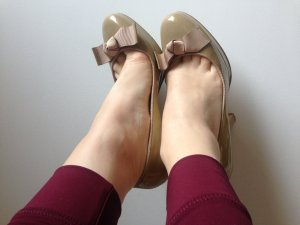 Beige Lackpumps in Gr. 36
