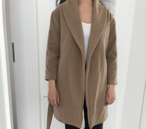 Beige Mantel