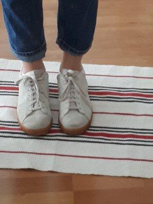 beige Nike Schuhe