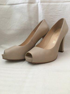 Beige Plateau Schuhe aus Leder